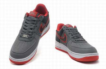 difference entre air force 1 homme et femme